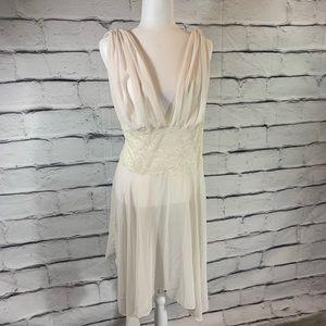 {Victoria's Secret} lace detail night gown